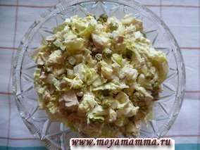 салат с пекинской капустойи курицей
