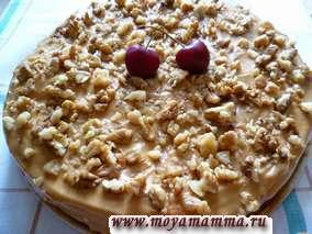 Бисквитный торт с грецкими орехами и вареной сгущенки