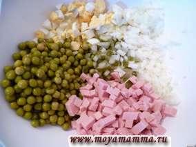 Ингредиенты для салата с вареной колбасой