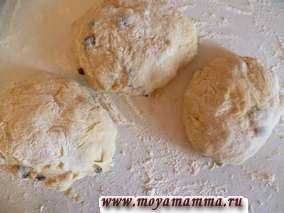 дрожжевое тесто с медом для булочек и калачей