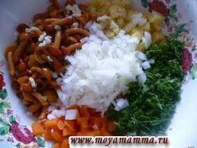 морковь, картофель, морковь, укроп, лук и чеснок
