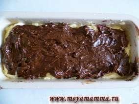 кекс с творогом, какао и черешней в форме