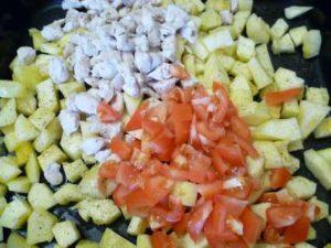 филе курицы, кабачок и помидоры для запеканки