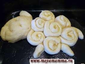 Необычная форма дрожжевых булочек
