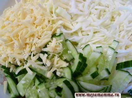 сыр, яйца и огурцы