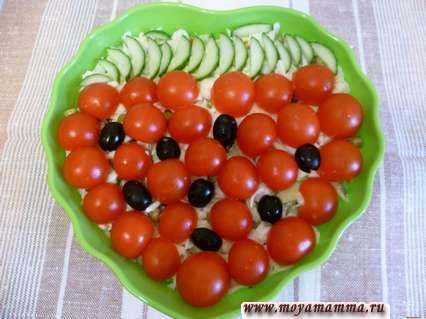 украшение салатов Ягодка из помидоров черри