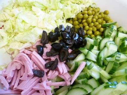 ингредиенты для салата с яичными лепешками