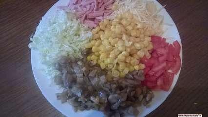 салат с шампиньонами и пекинской капустой