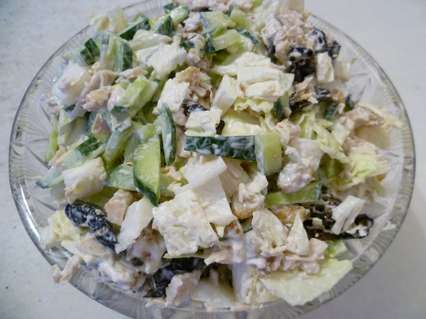 Салат с пекинской капустой и черносливом