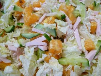 салат с пекинской капустой и орехами