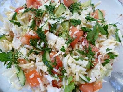 Салат из пекинской капусты с зеленью