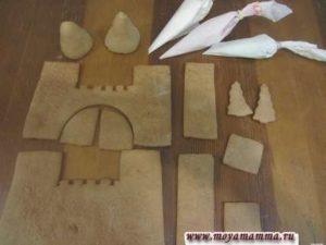 Подготовка к украшению имбирного замка