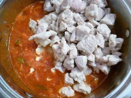 филе индейки в томатной подливке