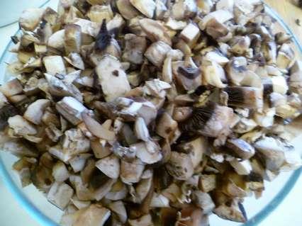 грибы порезанные