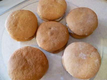 пирожные с яблочной начинкой из медового теста