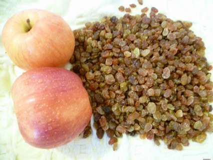 яблоки и изюм