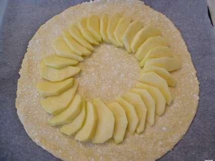 выкладывание яблок