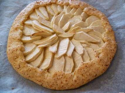 испеченная галета с яблоками в духовке