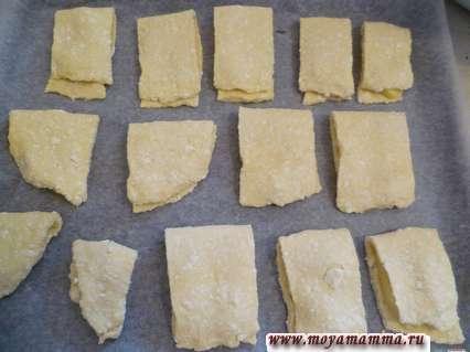 кармашки из творожного теста с начинкой на листе для выпекания