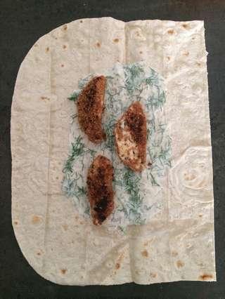 рецепт шавермы в лаваше - раскладывание курицы