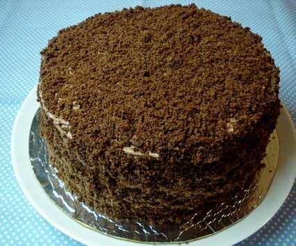 Облепить все бисквитной крошкой. Рецепт трюфельного торта в домашних условиях