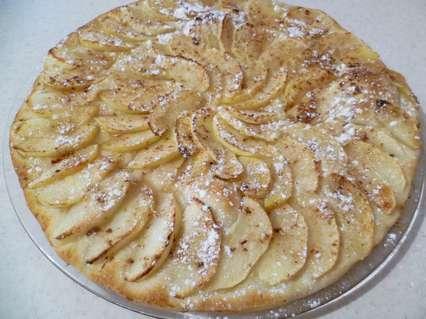 Яблочный пирог с сахарной пудрой