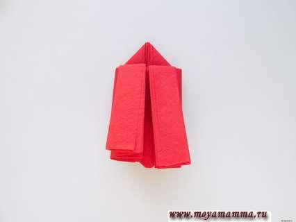 Бабочка из бумажной салфетки. . Перевернем заготовку будущей бабочки на другую сторону
