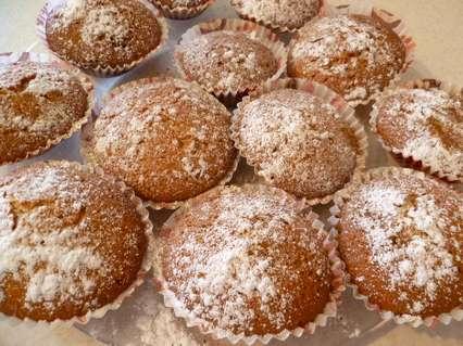 Медовые кексики с сахарной пудрой и корицей