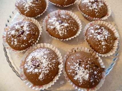 Шоколадные кексики в сахарной пудре.