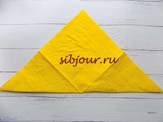 Складывание салфетки по диагонали