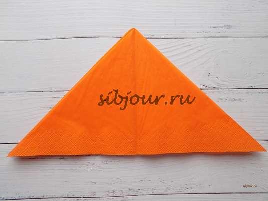 Салфетка в форме треугольника