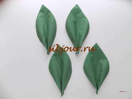Листочки из бумажной салфетки