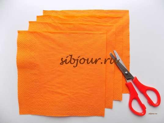 4 квадрата из бумажной салфетки